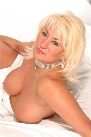 Top 5 chicago escorts Chicago - WikiSexGuide - International World Sex Guide