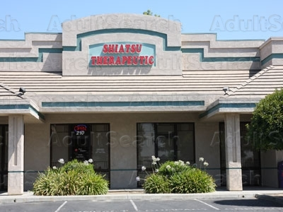 massage oriental parlor Visalia, California