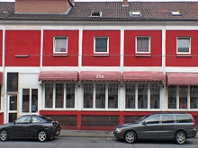 Red House 25A